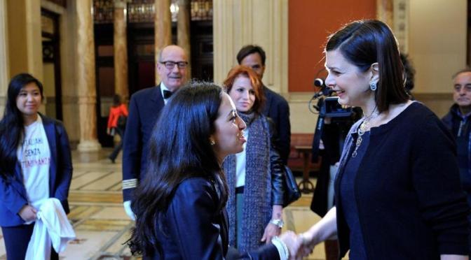 Perché non credo alla storia della laureata marocchina non lasciata passare alla Camera dei Deputati. Perché in Italia il documento lo devi dare prima: lo sapevano.