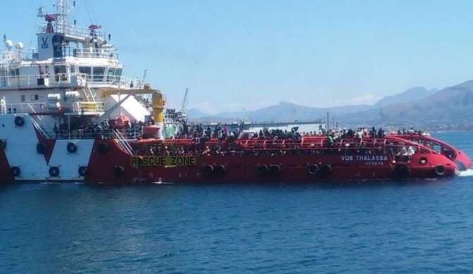 Vos Thalassa Chaos, se glieli lasciavano ammazzare, finalmente l'avrebbero smessa. Veronesi vuol salire sulle navi ONG? Ma salga.