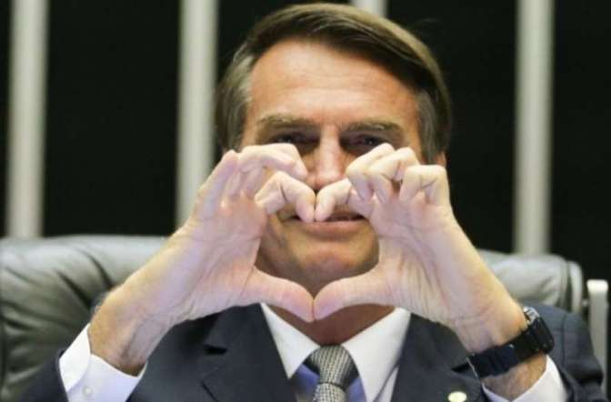 Bolsonaro ci ridà Battisti? Viva Bolsonaro, abbasso i comunisti.