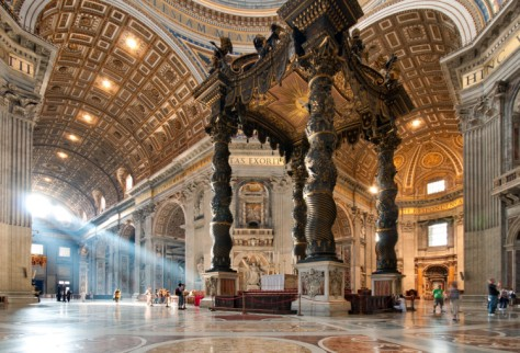 1493-6-Vatican-Treasure-Hunt-Private-Family-Tour-st-peters-basilica-750x510