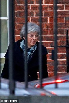 Theresa May in...carcere
