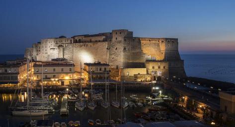 Castel-dellOvo-notte