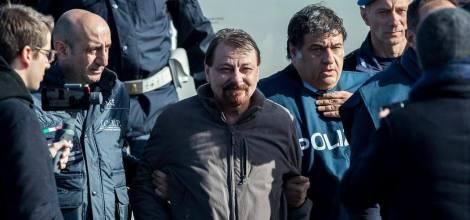 cesare_battisti_cattura_polizia_ciampino_lapresse_2019