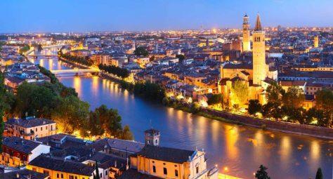 Verona-Night-View-1rwhdd6944jokce0l88aepc2fuj31x7127lef5oplhlo-1030x556