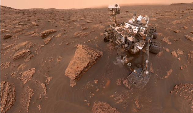 L'ONU dei massoni LGBT e immigrazionisti proibisce alla Sonda Curiosity di analizzare campioni d'acqua su Marte.