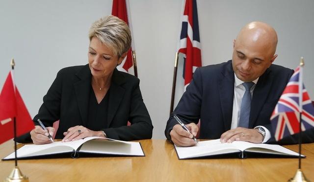 Progetto Ordine: la Svizzera e il Regno Unito iniziano a firmare patti bilaterali per lavoratori e sicurezza in caso di Brexit senza accordo.