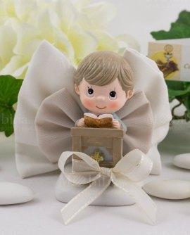 bimbo-che-prega-su-sacchetto-libro-con-confetti-ad-emozioni